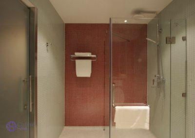 Standard room bathroom 1