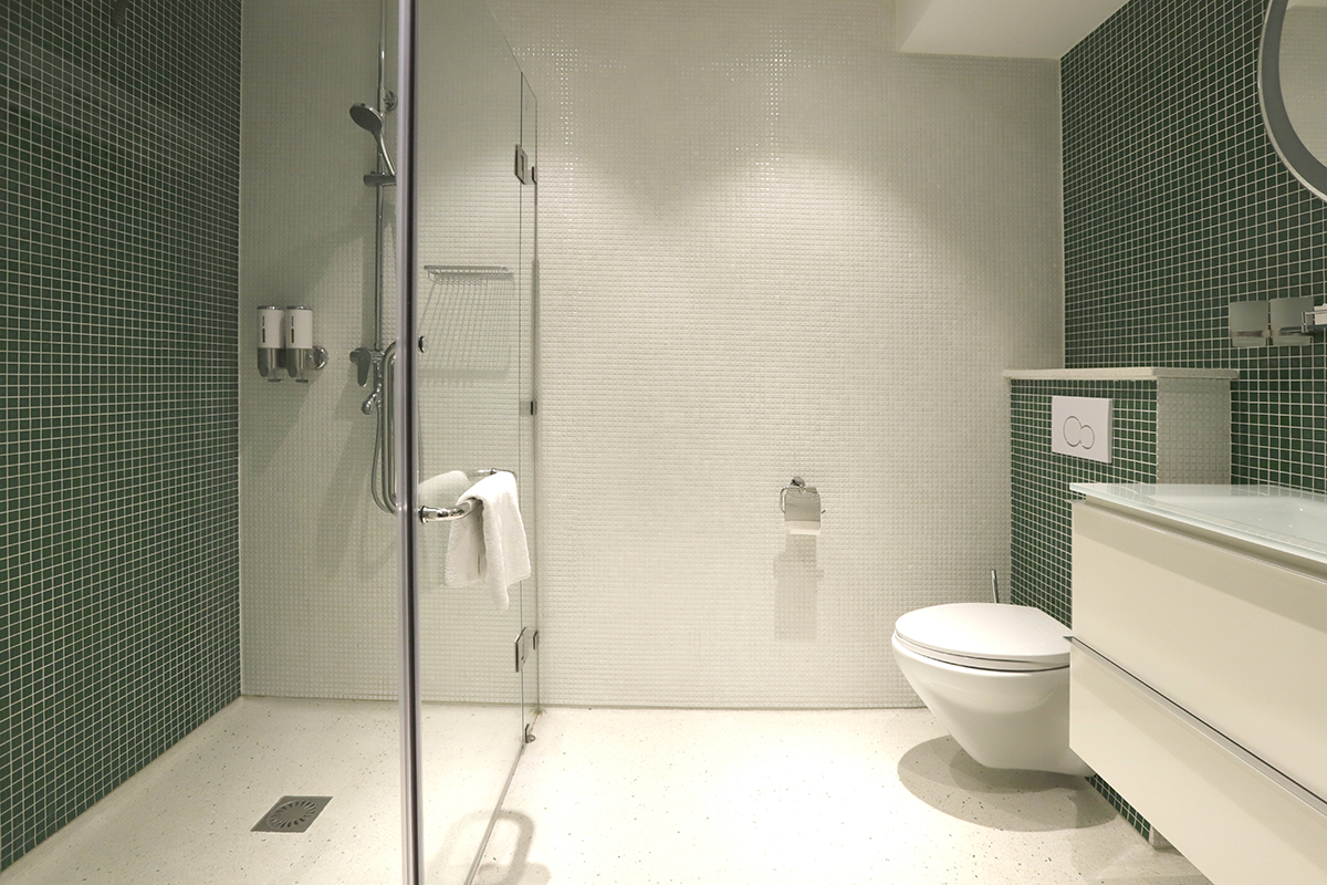 Chassé Hotel Amsterdam Superior Double and Superior Twin picture of bathroom